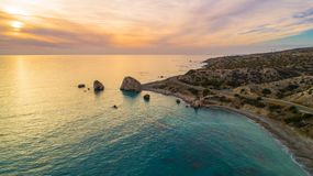 Воздушное tou Romiou Petra, Paphos, Кипр Стоковая Фотография RF