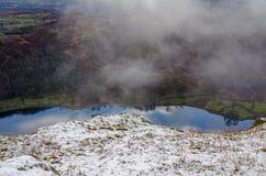 Воздушное viw отражений в воде Rydal Стоковые Изображения