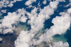 воздушные карибские облака над viewof Стоковые Фото