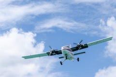 Воздушные судн выдры DHC-6-300 PJ-WII близнеца WinAir авиалиний наветренных островов стоковая фотография