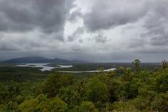 Воздушный взгляд ландшафта национального парка ущелья Barron всемирное наследие в гористых местностях пирамид из камней Tableland стоковое фото