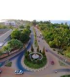 Воздушный взгляд панорамы к городу реки Банжула и Гамбии стоковые фото