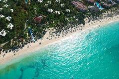 воздушный взгляд caribbean пляжа Стоковая Фотография RF