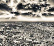 воздушный взгляд london Городской пейзаж на заходе солнца Стоковая Фотография