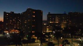 Воздушный горизонт на ноче, West Palm Beach города стоковые изображения rf