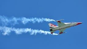 воздушный дисплей singapore airshow Стоковая Фотография