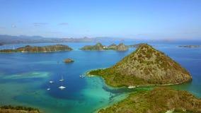 Воздушный ландшафт красивого тропического острова сток-видео