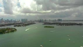 Воздушный панорамный видео- залив Miami Beach Biscayne видеоматериал