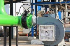 Воздушный фильтр прикрепился к части вентилятора холодного воздуха опытного завода Стоковые Фотографии RF