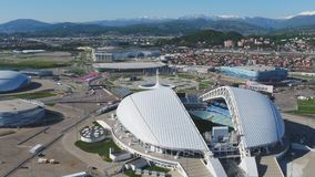 Воздушный футбольный стадион Fischt Сочи, Adler, Россия, олимпийский стадион факела и Fisht построенные для Олимпийских Игр зимы стоковое фото