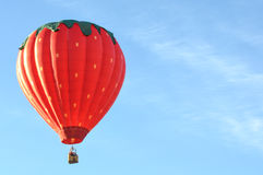 Воздушный шар высот клубники горячий Стоковые Изображения