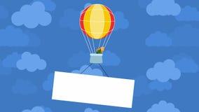 Воздушный шар в облаках сток-видео