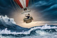 Воздушный шар в шторме Стоковое Изображение
