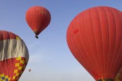 Воздушный шар Летать в горячий воздушный шар Стоковая Фотография RF