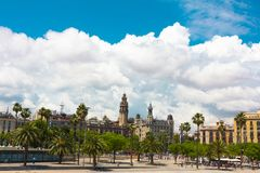 воздушным взгляд улицы passeig columbus колонки de заречья colom городского пейзажа barceloneta barcelona увиденный правом стоковая фотография rf