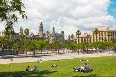 воздушным взгляд улицы passeig columbus колонки de заречья colom городского пейзажа barceloneta barcelona увиденный правом стоковое изображение rf