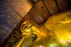 Возлежа висок Будды Wat Pho сна Будды в Бангкоке Таиланде Стоковое Изображение RF