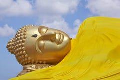Возлежа изображение Будды Стоковые Изображения
