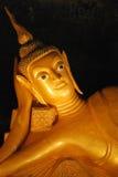 возлеубежать подземелья Будды золотистый Стоковые Изображения RF