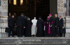Возникновение официального представителя Папы Фрэнсиса римско-католической церков Стоковые Фото