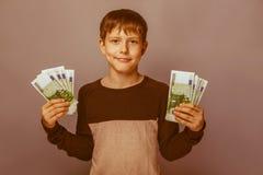 Возникновение подростка мальчика европейское 10 лет Стоковые Изображения