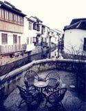 Возрождения кафа антикварной мебели сцена деревенского ретро городская Стоковая Фотография RF