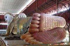 возлеубежать гиганта Будды Стоковое Изображение RF