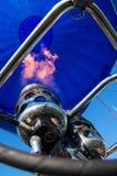 Воздуходувка и внутренность голубого использующего горячего воздух воздушного шара Стоковое Изображение RF