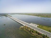 Воздушная дорога на озере стоковое фото