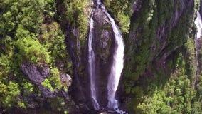 Воздушная съемка большого водопада акции видеоматериалы