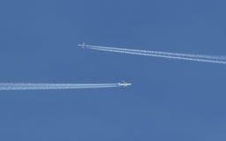 2 воздушного судна на курсе на столкновение Стоковая Фотография