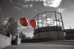 2 воздушного шара летая прочь Стоковая Фотография