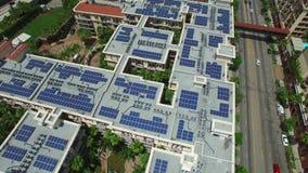 Воздушное видео солнечной энергии сток-видео