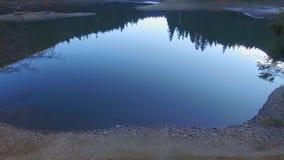 Воздушное озеро горы съемки сток-видео