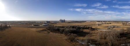 Воздушное панорамное отличающ лифтом зерна в Митчеле, SD Стоковое фото RF