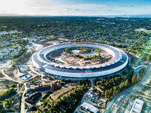 Воздушное фото кампуса Яблока нового под конструкцией в Cupetino Стоковые Изображения RF