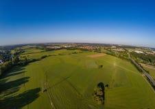 Воздушное фото лугов и реки Regnitz на Erlangen Стоковые Фотографии RF
