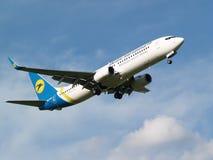 Воздушные судн Боинга 737-800 авиакомпаний международных перевозок Украины Стоковое Изображение RF