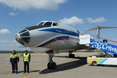 Воздушные судн Tu-134A-3 бортовое RA-65912 авиакомпании России на авиапорте в Симферополе Стоковые Фотографии RF