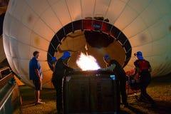 Воздушные шары, воздушные шары в небе, фестивале воздушного шара, фиесте 2017 воздушного шара Singhapark международной, Chiang Ra Стоковое Изображение RF