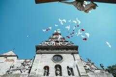 Воздушные шары летая к небу Стоковое фото RF