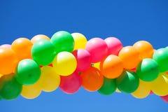 Воздушные шары и голубое небо Стоковое Изображение RF