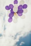 Воздушные шары на голубом небе Стоковые Изображения RF