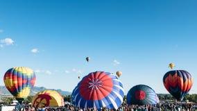 Воздушные шары около, который нужно принять  Стоковое Изображение
