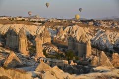 Воздушные шары принимают полет Стоковые Изображения RF
