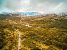 Воздушный ландшафт гор Snowy на национальном парке Kosciuszko, Стоковое Фото