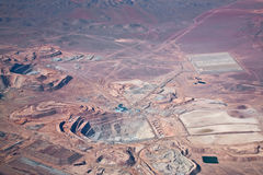 воздушный взгляд шахты пустыни меди atacama Стоковая Фотография RF