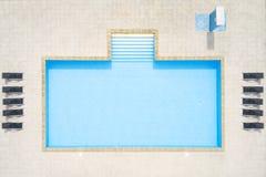 воздушный взгляд заплывания бассеина стоковые изображения rf