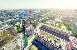 Воздушный вид на город ландшафт урбанский Съемка вертолета изображение панорамное Стоковые Изображения
