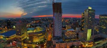 Воздушный панорамный взгляд на Варшаве городской к ноча, от вершины дворца культуры и науки, Варшава, Польша Стоковое Фото